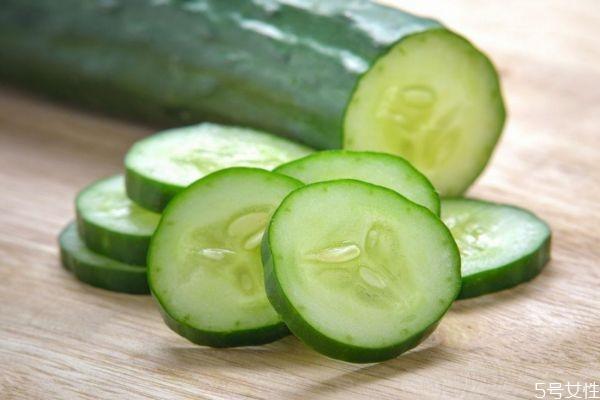 黄瓜中有什么营养价值呢 糖尿病人可以吃黄瓜吗