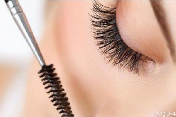 假睫毛怎么保存 假睫毛日常保养的方法