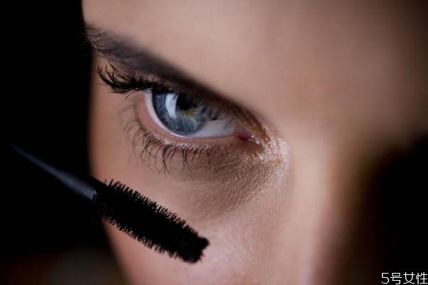 嫁接睫毛怎么卸下来 嫁接睫毛的详细步骤