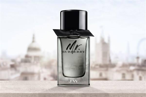 忆初芳男士哪款香水好闻 适合夏天用的男士香水有哪些