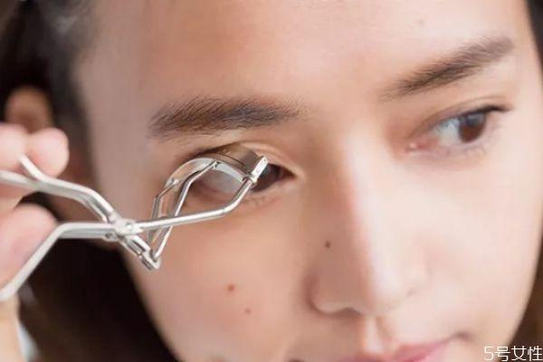 睫毛夹可以用多久 睫毛夹用多长时间换