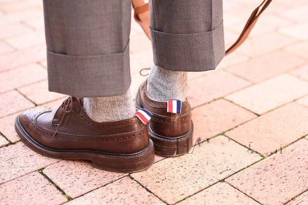 烟管裤和直筒裤有什么区别 什么是烟管裤