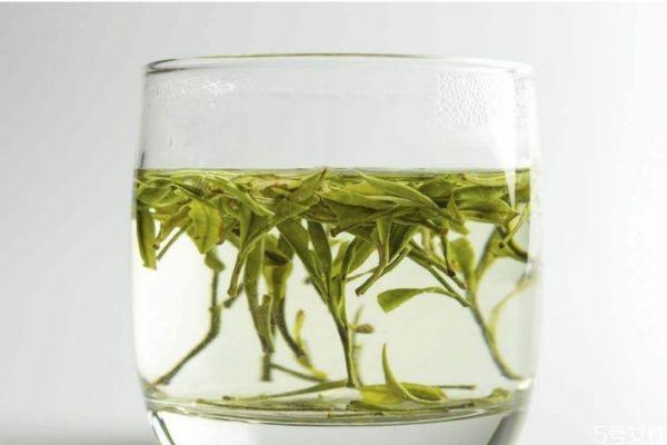 绿茶有什么功效呢 喝绿茶有什么好处呢