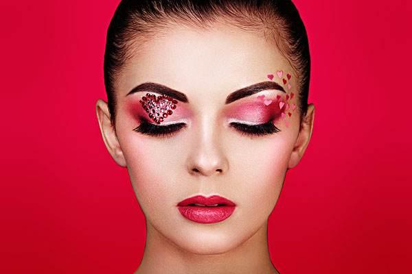 女人需要天天化妆吗 睫毛膏卸不干净会怎样