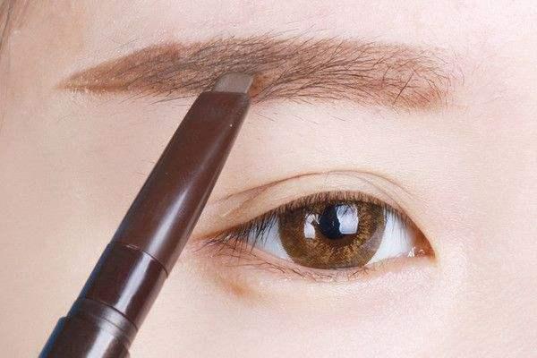 旋转眉笔怎么用 描眉有什么技巧