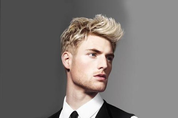 软发男生适合什么发型 男生怎么保持发型