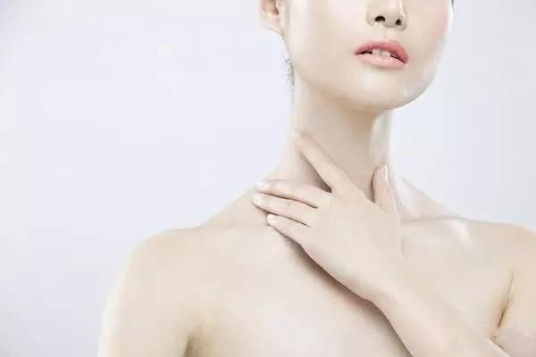 颈部日常怎么保养 预防颈部皱纹的方法哪些