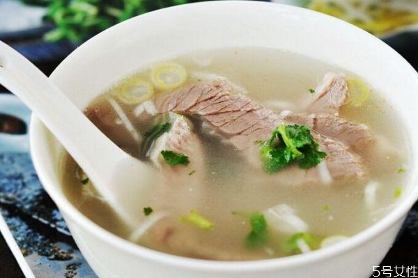 羊肉汤有什么营养价值呢 喝羊肉汤有什么好处呢