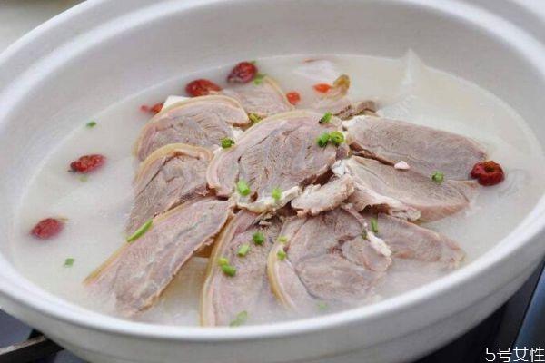 什么是喝羊肉汤最好呢 羊肉汤可以天天喝吗
