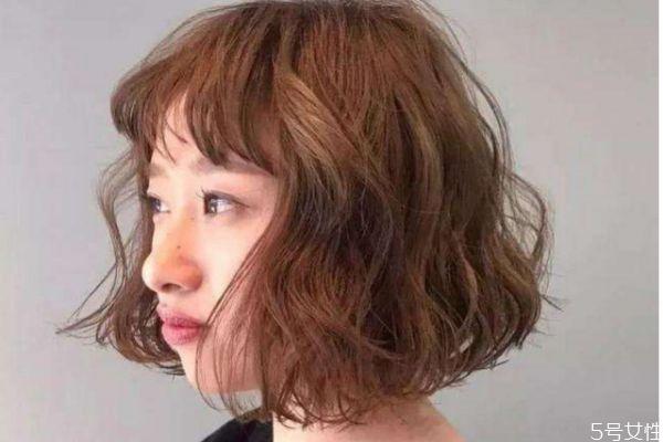 烫发有什么注意的呢 烫发后应该怎么打理呢