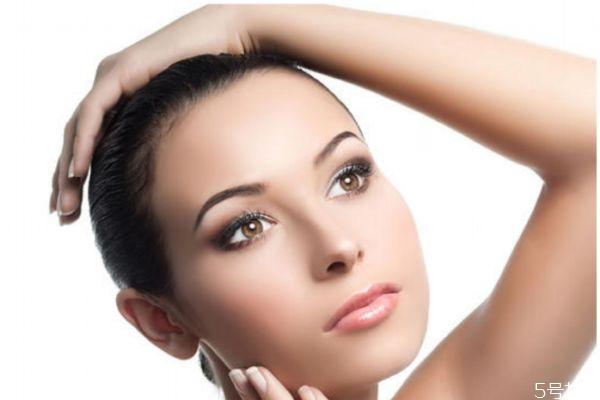 生活中比较伤害皮肤的习惯有什么呢 如何保养肌肤呢