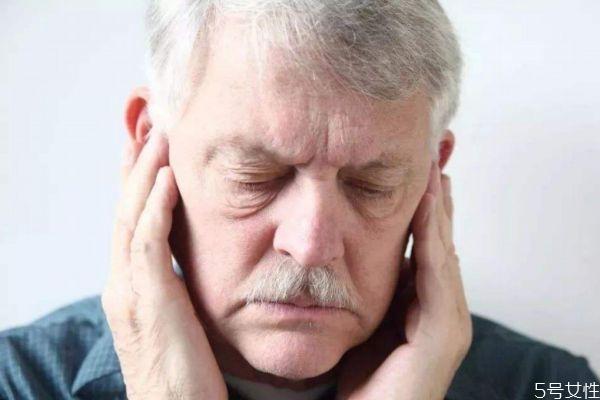 造成耳鸣的原因有什么呢 为什么会耳鸣呢