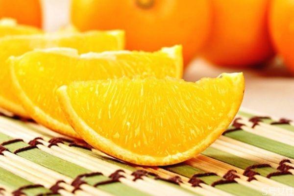 冰糖橙好还是脐橙好 冰糖橙和脐橙有什么区别