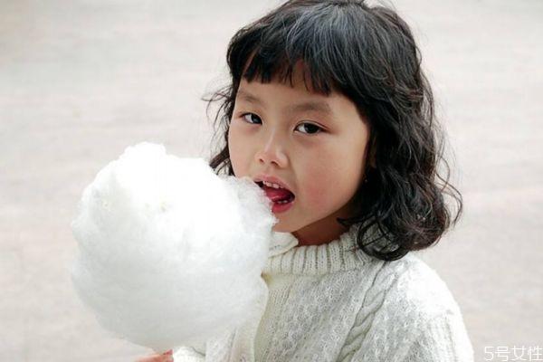 棉花糖是用什么做的呢 如何自制棉花糖呢