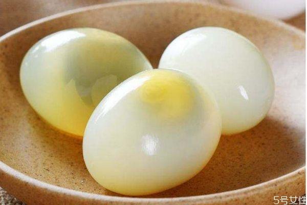 鸽子蛋有什么营养价值呢 吃鸽子蛋有什么好处呢