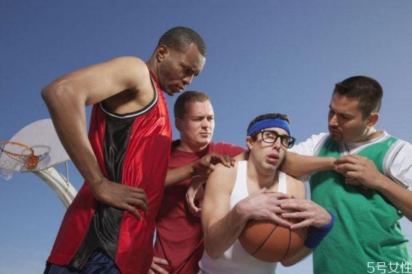 打篮球可以长个子吗 打篮球的好处有什么呢