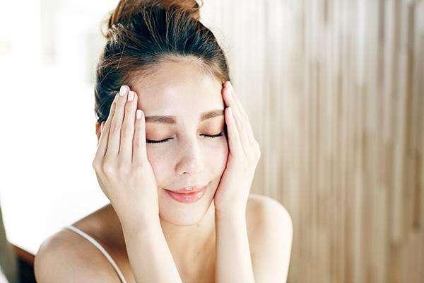 为什么毛孔越来越粗大 毛孔粗大补水能改善吗