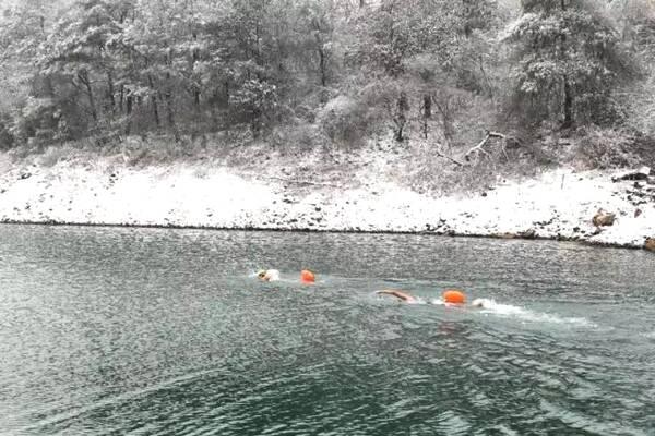 冬泳可以减肥吗 冬泳减肥注意事项