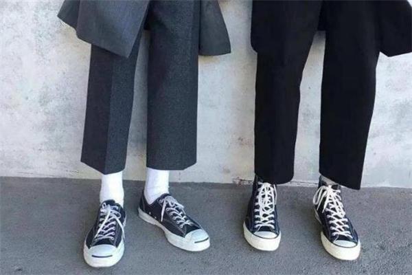 复古鞋子配什么裤子好看 男生复古风鞋子搭配图片