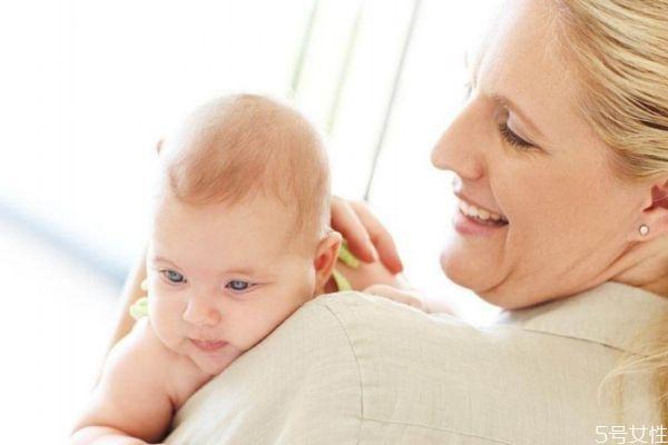 猪年的宝宝取什么名字好呢 怎么给猪年的宝宝取名字呢
