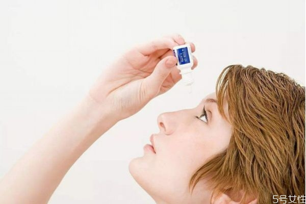 造成眼睛疲劳的原因有什么呢 为什么眼睛容易疲劳呢