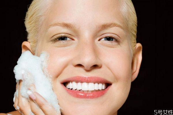 冻干粉长期使用的危害 冻干粉修复皮肤靠谱吗