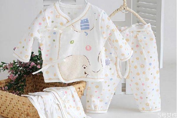 宝宝多大能穿保暖内衣 宝宝保暖内衣能贴身穿吗