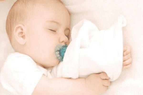 怎么帮宝宝穿衣 冬天宝宝的穿衣顺序