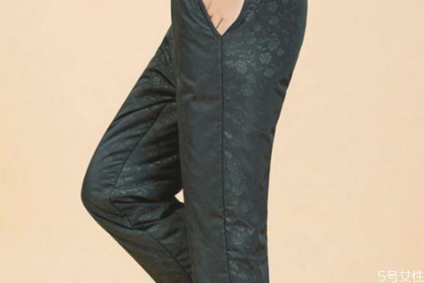 冬天穿棉裤是不是买大一码裤子 选购打底裤技巧