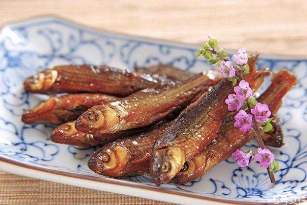 麦穗鱼应该没在挑选呢 麦穗鱼怎么做好吃呢