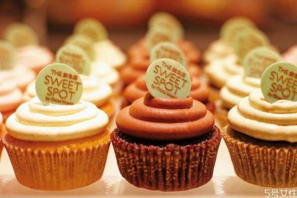 成年人一天最多吃多少甜食呢 吃甜食有什么注意呢