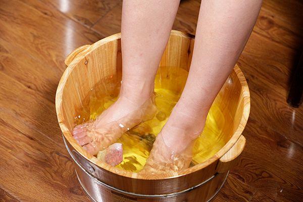 泡脚对宫寒有用吗 泡脚可以调理宫寒吗