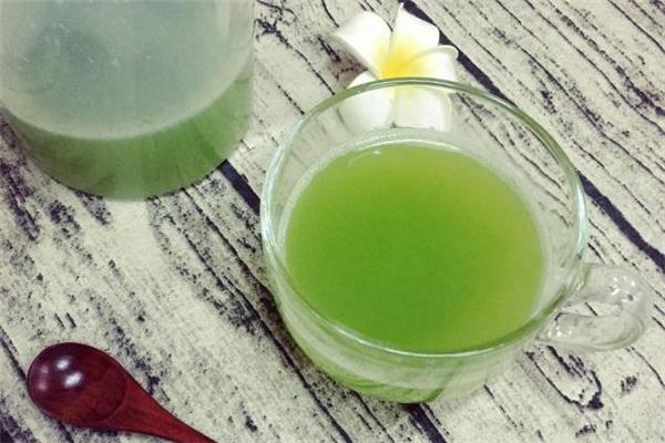 苦瓜汁上面的泡沫能喝吗 为什么榨苦瓜汁都是泡沫