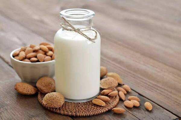 牛奶煮沸了还能喝吗 喝了煮沸后的牛奶会怎样