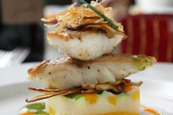 吃鳕鱼有什么好处呢 吃鳕鱼有什么注意的呢