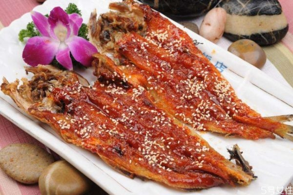 明太鱼应该怎么挑选呢 吃明太鱼有什么注意的呢