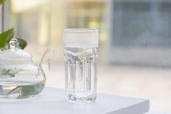 早上喝冰水对身体好吗 早上喝水要注意什么