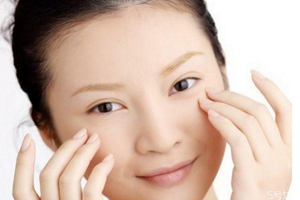 去除眼袋的方法有什么呢 如何可以快速去眼袋呢