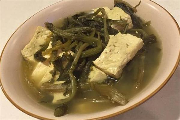 雪里红炖豆腐的做法 雪里红炖豆腐怎么做好吃