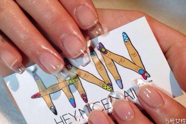水晶甲会让指甲变黄吗 水晶指甲怎么做