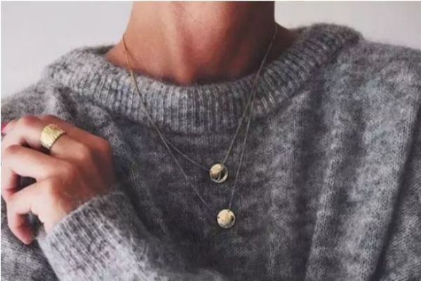项链冬天可以戴在外面吗 冬天如何佩戴项链