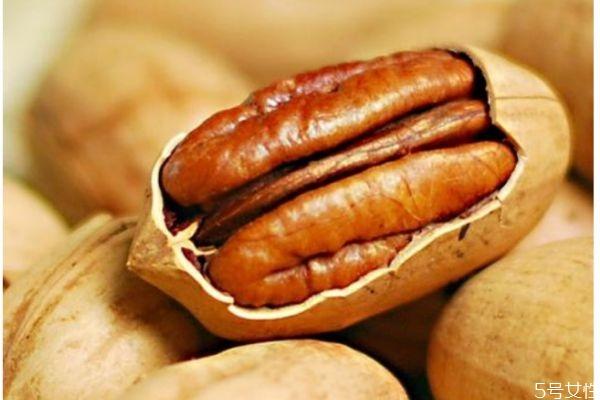 吃碧根果有什么注意的呢 什么人不能吃碧根果呢
