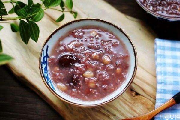 什么是紫米呢 吃紫米有什么好处呢