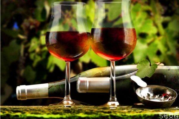 空腹可以喝酒吗 怎么喝酒不伤身体呢