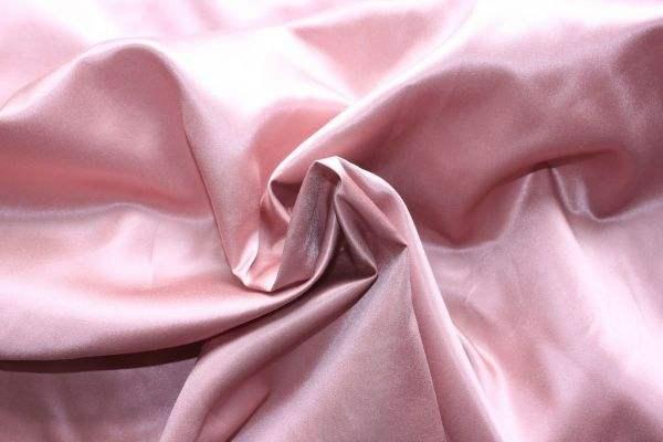 丝绸面料有哪些好处 丝绸面料保养技巧