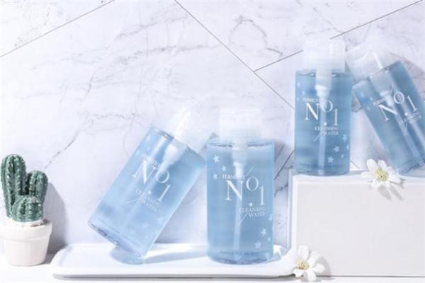 稚优泉卸妆水和完美日记卸妆水哪个好用-适合敏感肌吗