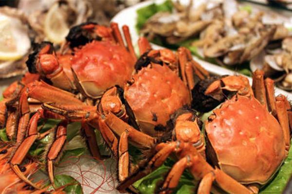 蒸螃蟹为什么要用啤酒 啤酒泡螃蟹要泡多久