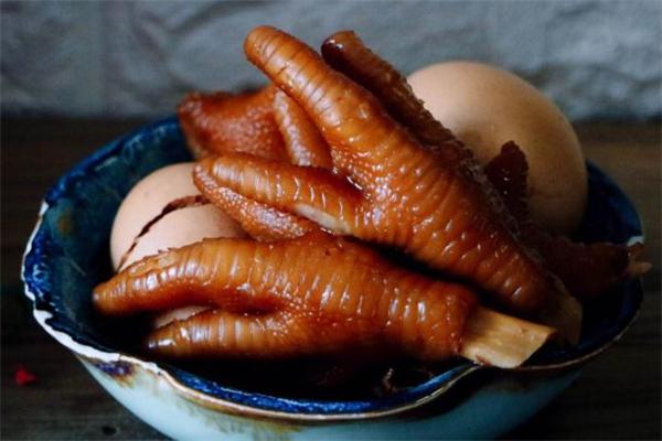 孕妇可以吃卤鸡爪吗 孕妇吃卤鸡爪对胎儿有什么影响