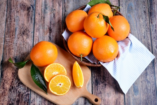 睡前吃橙子好吗 橙子早上吃好还是晚上吃好