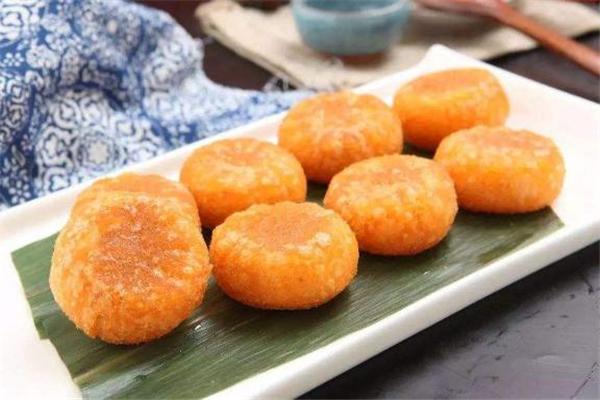 南瓜饼不能和什么一起吃 南瓜饼什么人不能吃